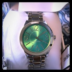 BNWT Nine West watch